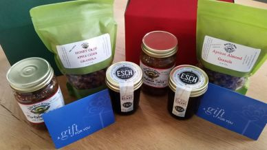 River Valley Kitchen gift boxes / For the Love of Pets 2015